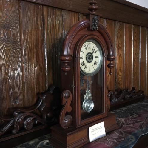 05 reloj antiguo de metal 1880 (002)